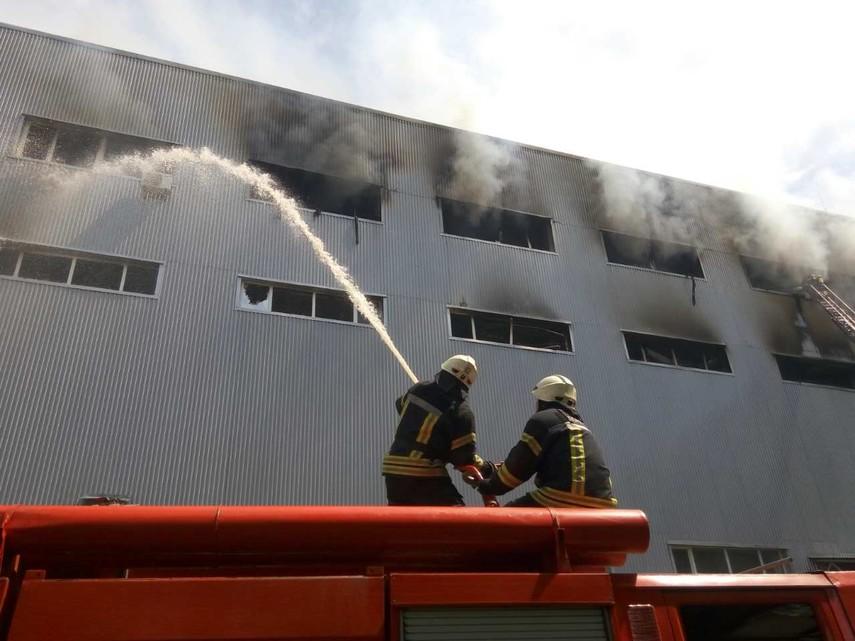 ВКиеве масштабный пожар наул.Красноткацкой