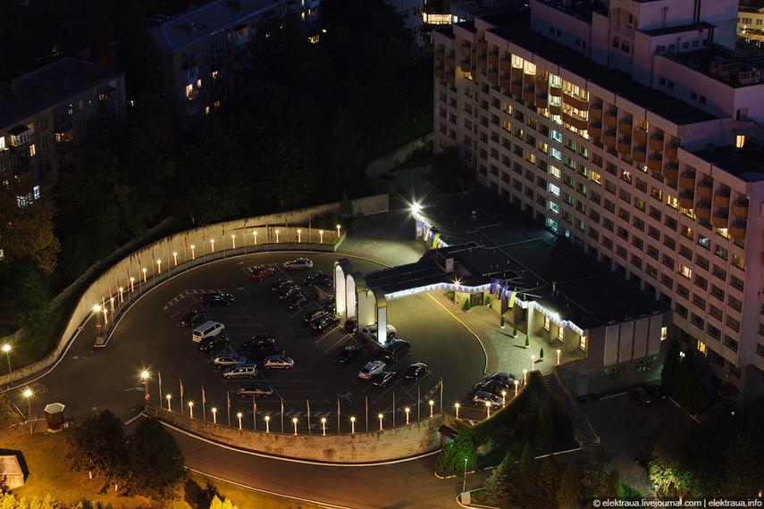 ФГИУ объявил аукцион попродаже Президент-Отеля