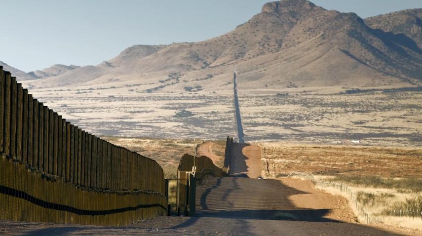 Трамп предложил оборудовать стену награнице сМексикой солнечными батареями