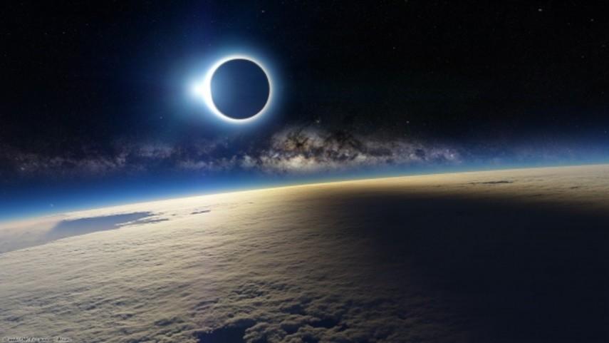 NASA показало жителям Америки солнечное затмение в3D