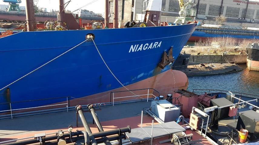 Украина продала два арестованных русских танкера за $390 тыс.