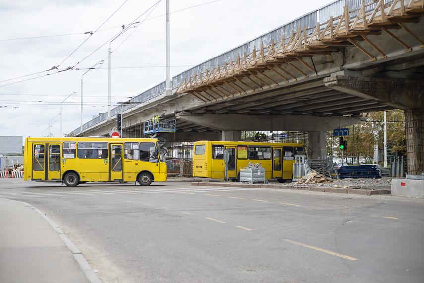 Завтра вКиеве восстановят основное движение транспорта попутепроводу наНивках