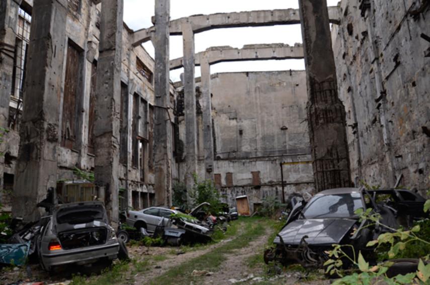 ВНиколаеве отыскали кладбище авто БМВ