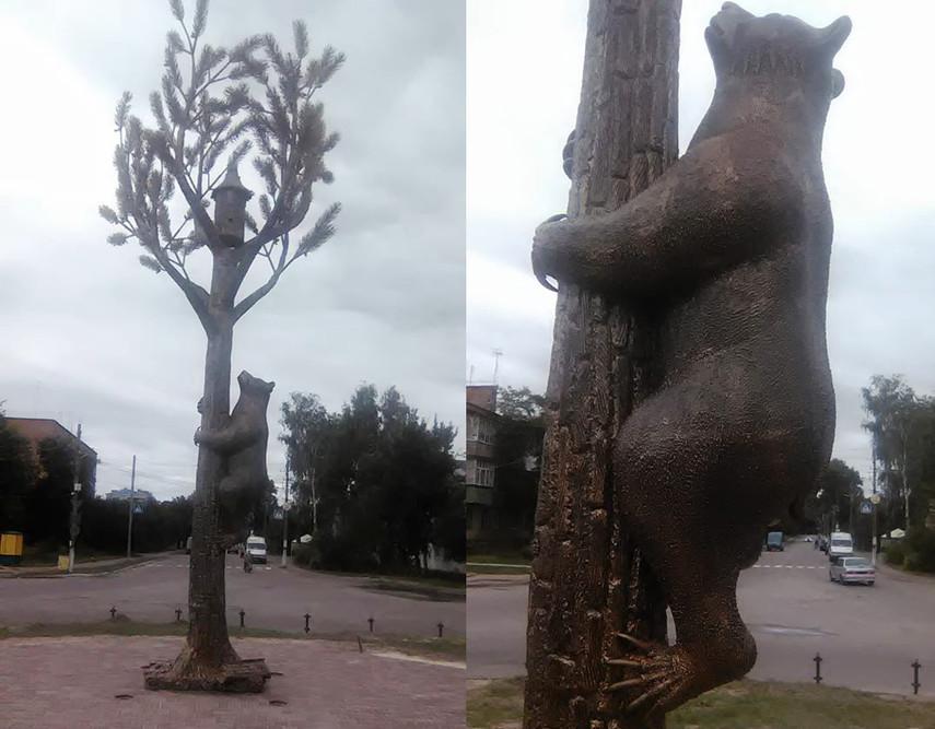 НаЧерниговщине установили шестиметровую металлическую скульптуру