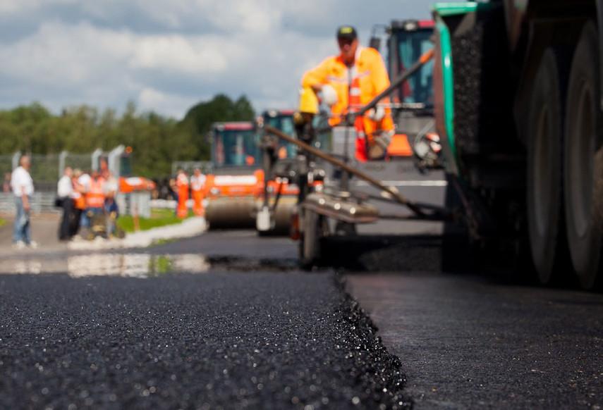 Китайская компания стала подрядчиком ремонта 2-х дорог вгосударстве Украина