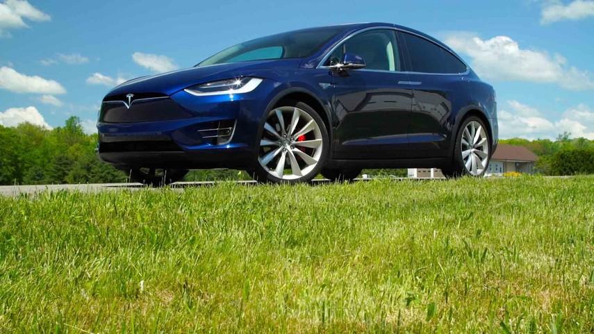 Tesla отзовёт 11 тысяч Model X из-за проблем с задними сиденьями
