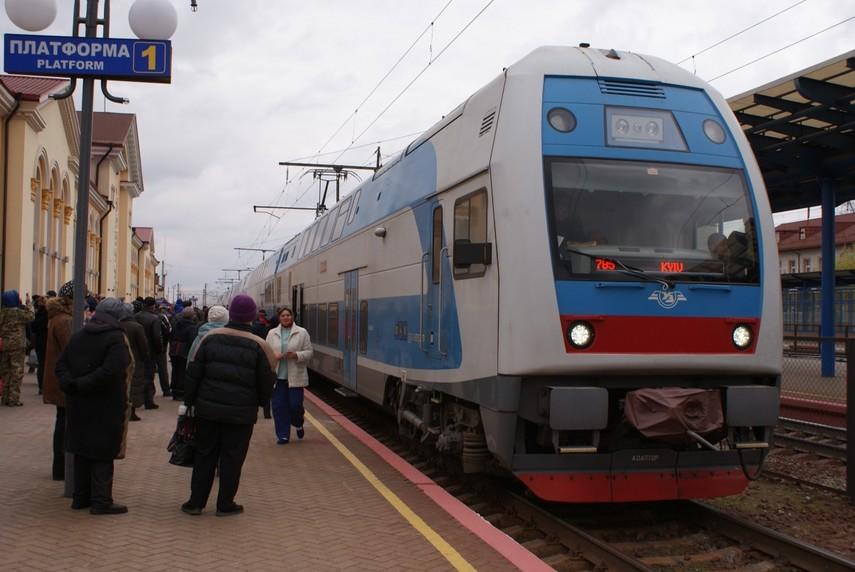 «Укрзалізниця» впервый раз пустила двухэтажный поезд изТернополя встолицу страны Украина