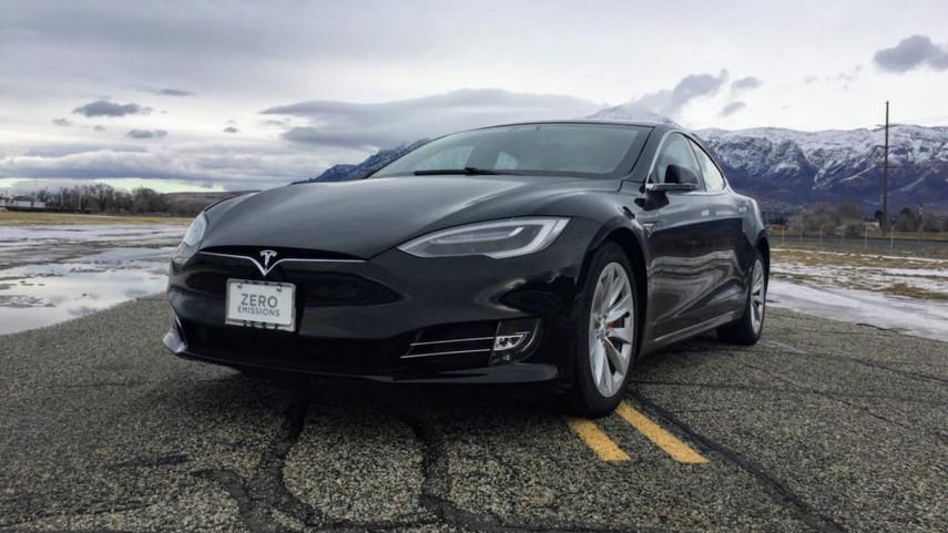 Tesla Model SP100D превратили всамый быстрый бронеавтомобиль