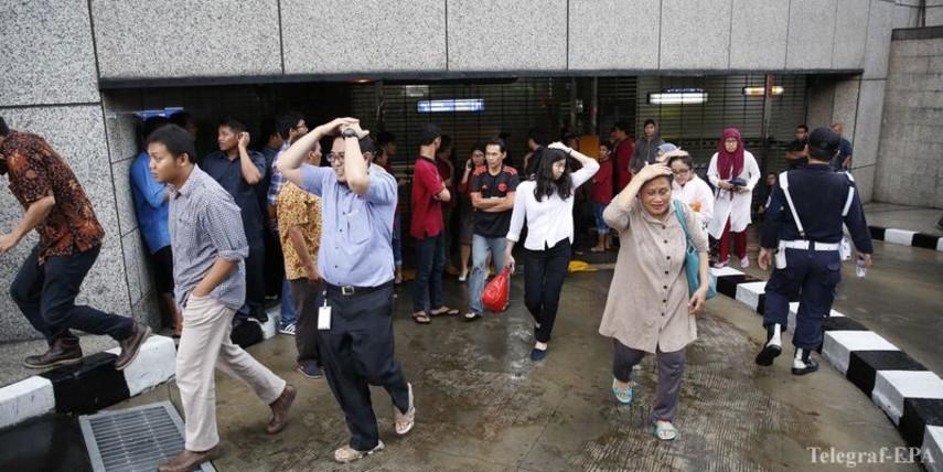 Неменее 70 человек пострадали после обрушения вмногоэтажном здании фондовой биржи вДжакарте