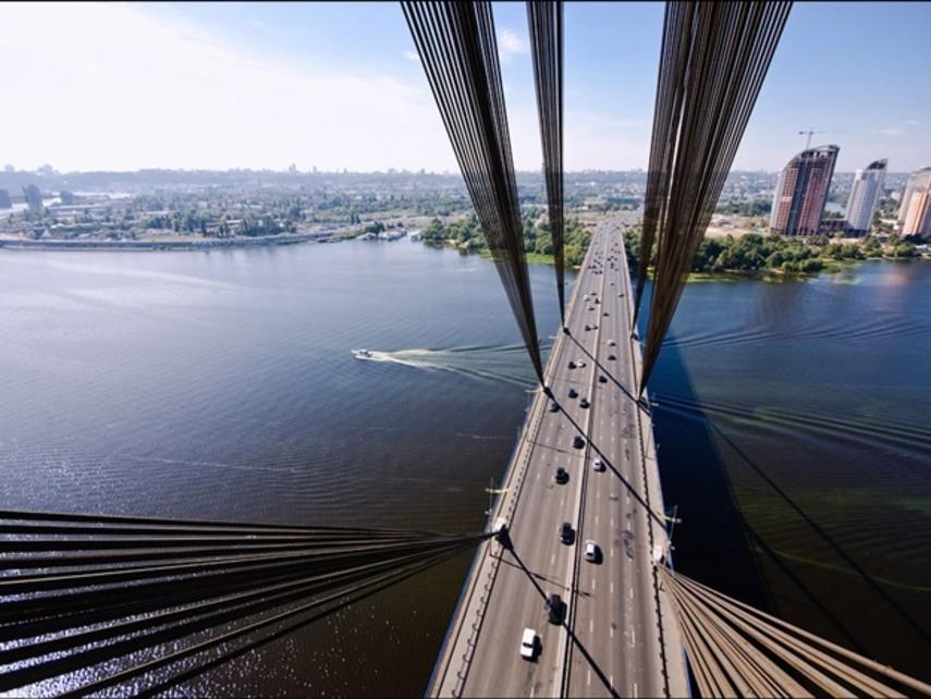 ВКиеве власти переименовали Московский мост