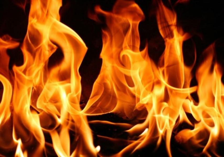 ВЧеркассах произошел пожар на300 квадратных метрах промзоны: полыхали старые покрышки