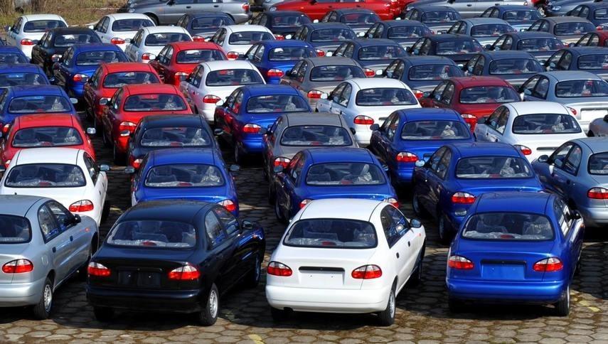 Названы самые популярные большие семейные автомобили в России