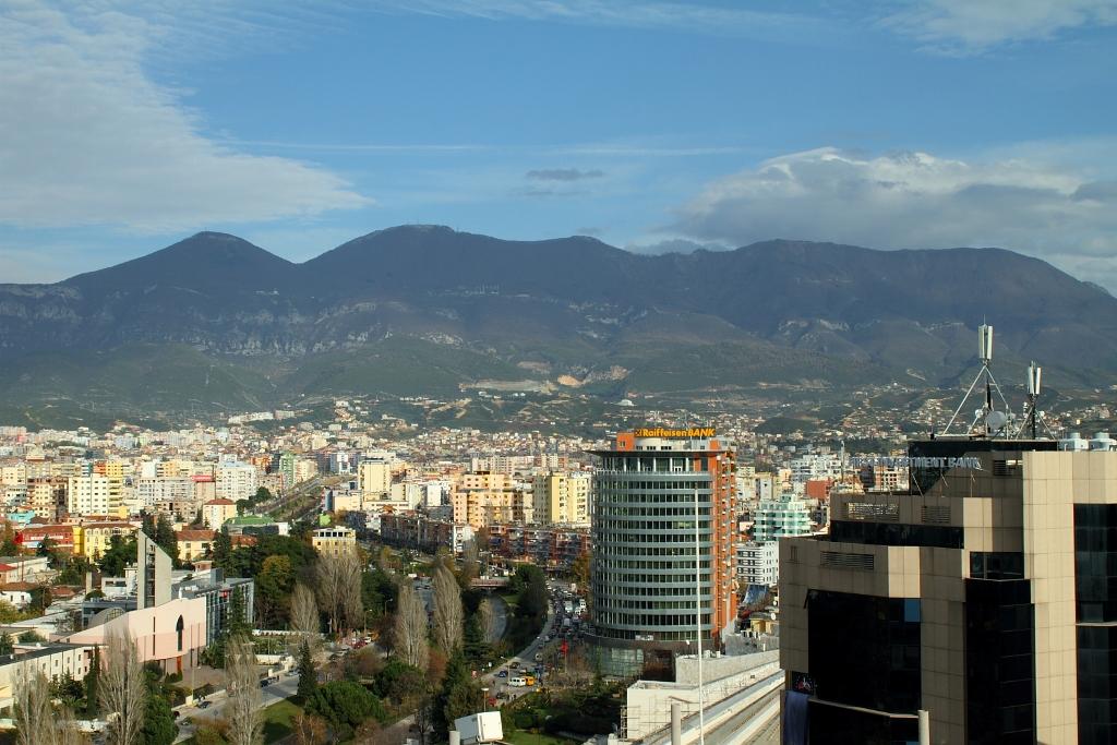 albaniya