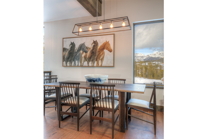 800x533_Quality97_w-Homestead-16-Claim-Jumper-dining1
