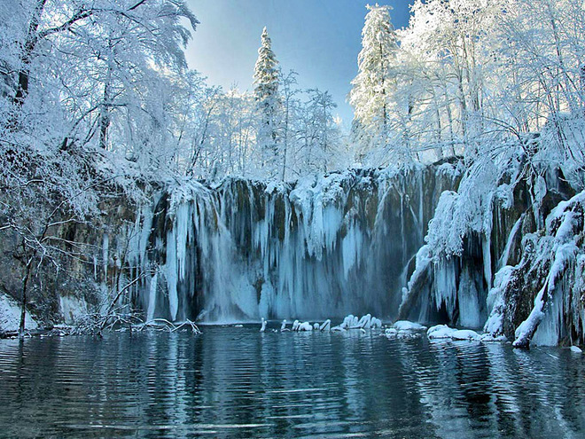 vodopad zimoy1