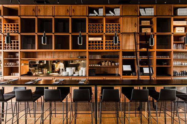ugolniy restoran3