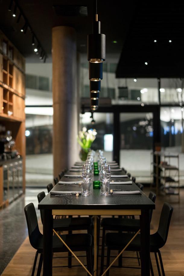 ugolniy restoran6