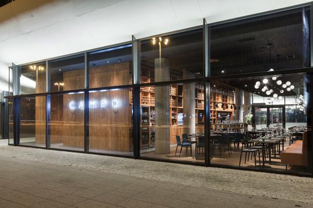 ugolniy restoran7